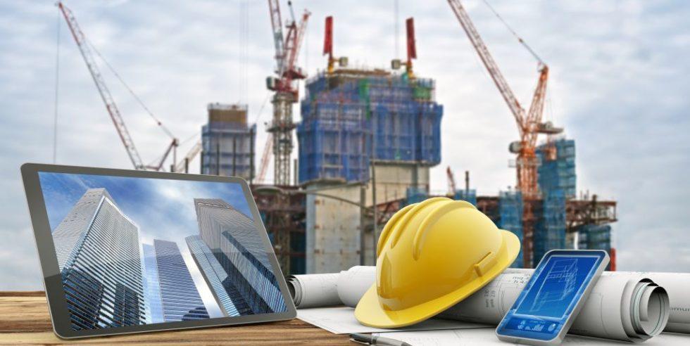 Baustelle mit gelbem Helm